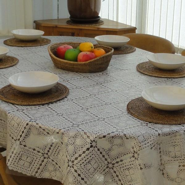 Oval Wipe Clean Tablecloth U2013 Cream Lace