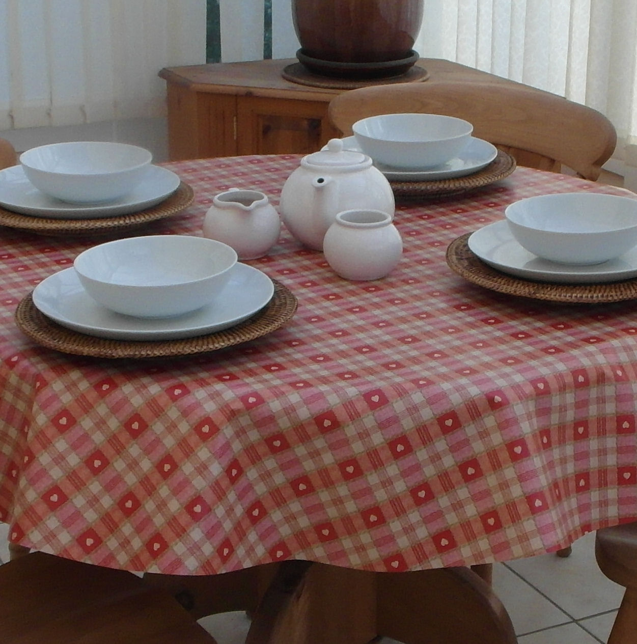 Round Wipe Clean Tablecloth Red Heart The Tablecloth