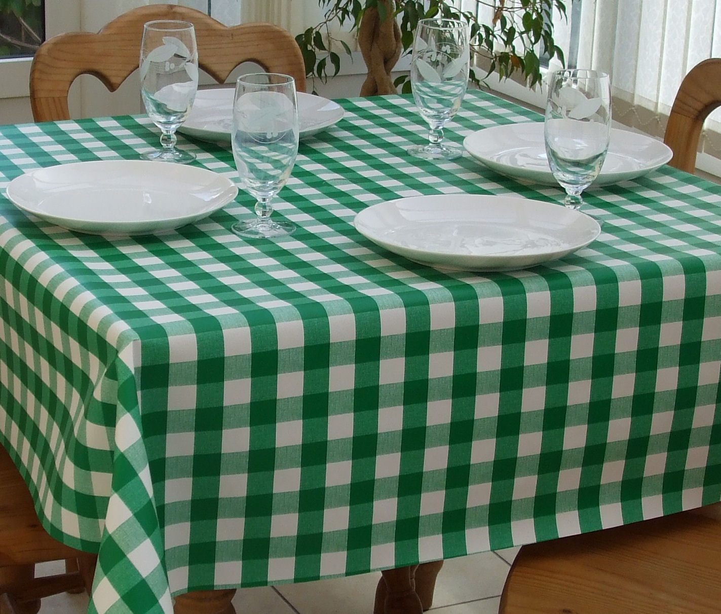 Square Wipe Clean Tablecloth Green Gingham The