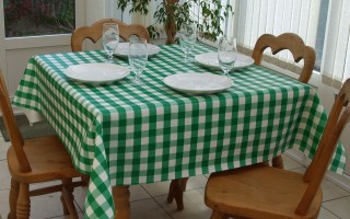 GREEN GINGHAM SQUARE