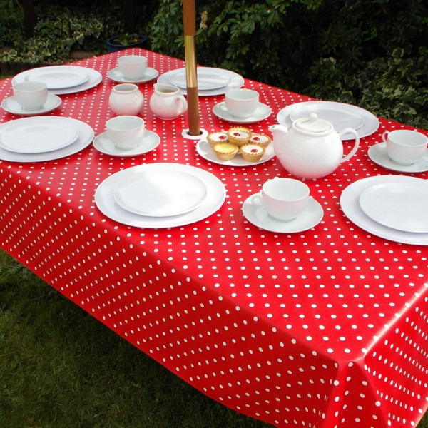 RED POLKA DOT RECTANGLE WITH PARASOL HOLE