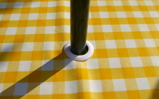 YELLOW GINGHAM WITH  PARASOL HOLE