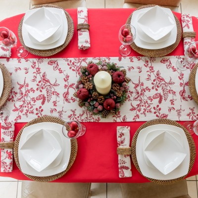RED COTTON OVAL WITH CHRISTMAS RED BERRY  RUNNER