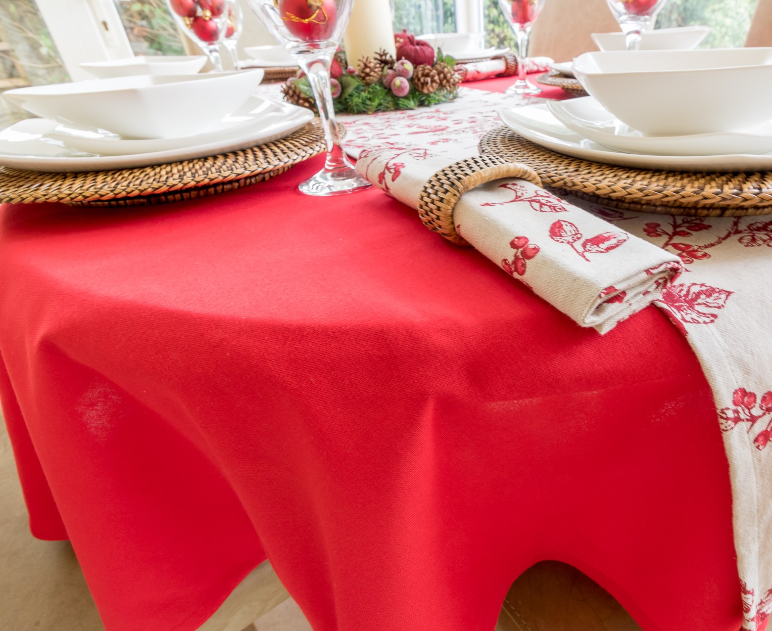 Cotton Collection Red Oval Perfect For Christmas The