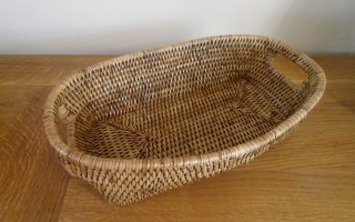 SMALL RATTAN FRUIT BOWL WITH HANDLES