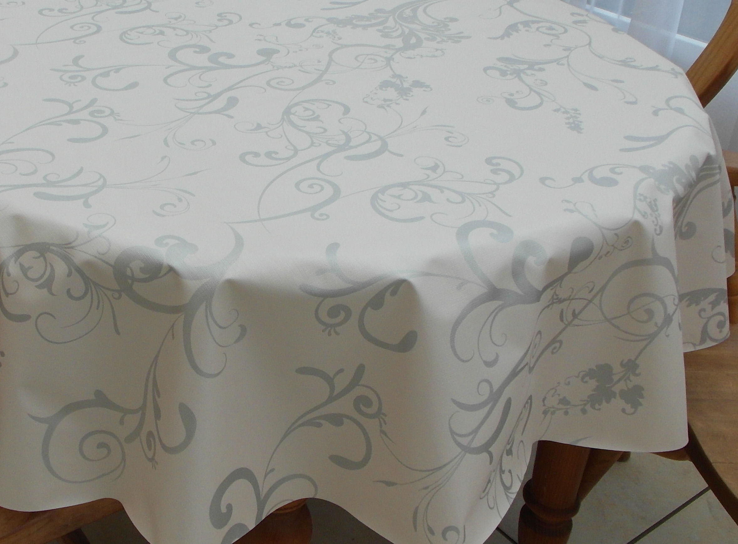 Superieur Oval Wipe Clean Tablecloth U2013 Silver Fleur