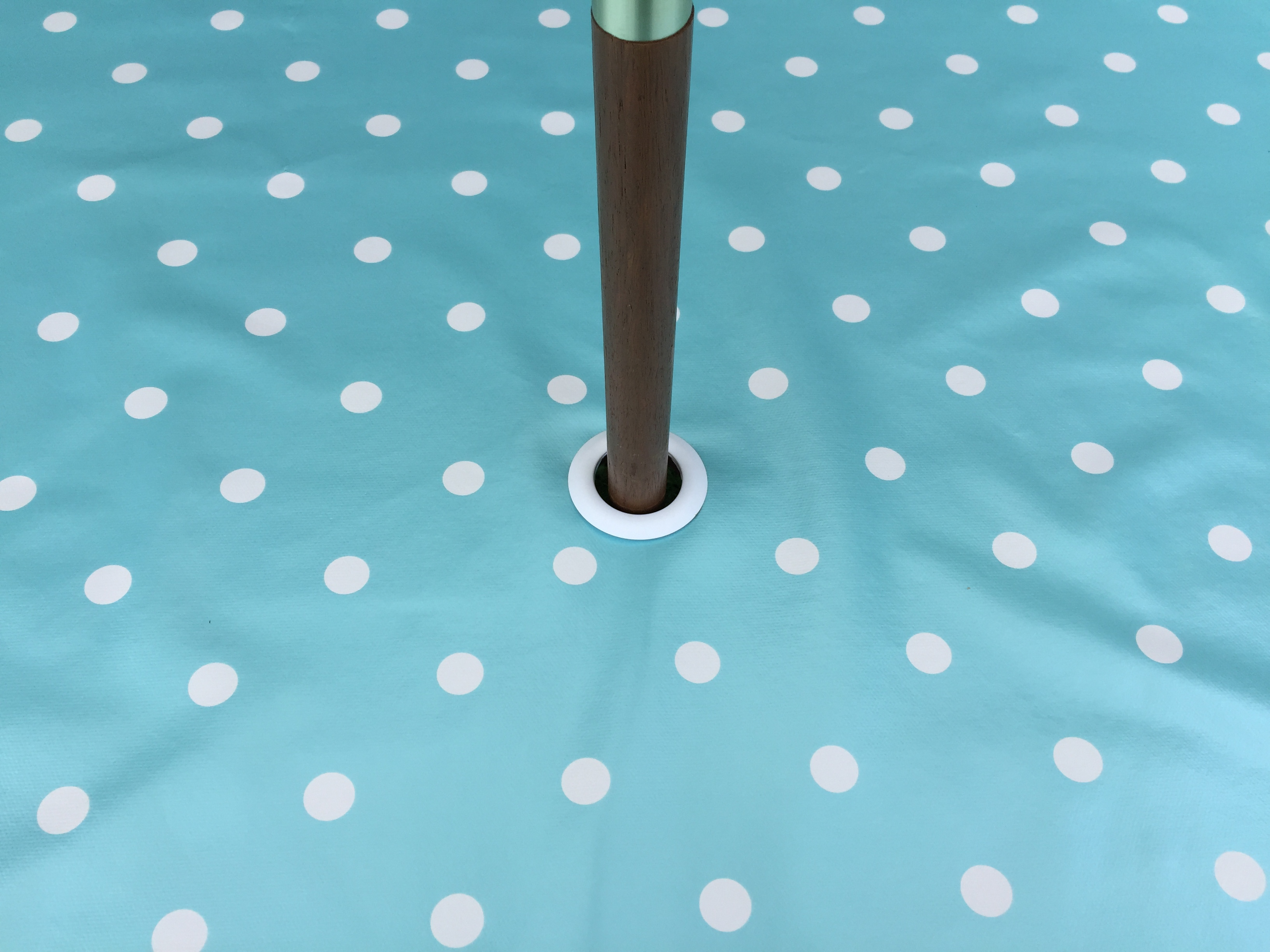 Round Wipe Clean Tablecloth With Parasol Hole Baby Blue